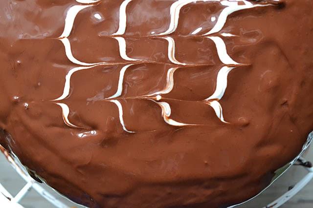 Schokoladeglasur mit weißer Schokolade