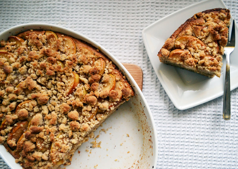 Apfel-Nuss-Kuchen mit Streusel