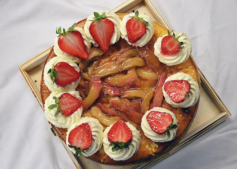 erdbeer-rhabarber-cheesecake