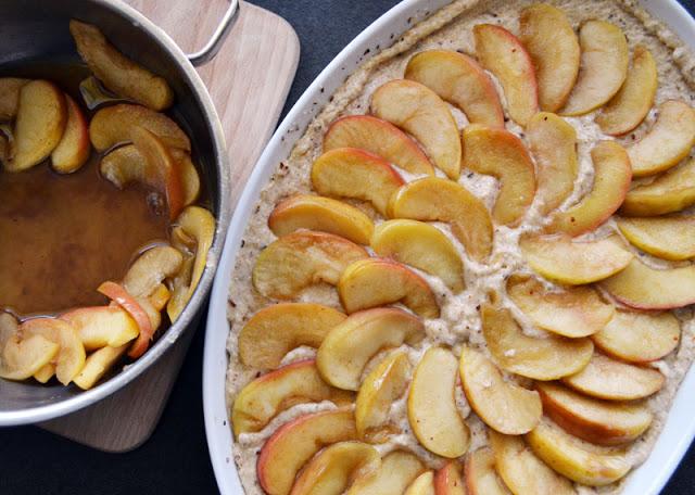 Apfel-Vollkornkuchen vor dem Backen