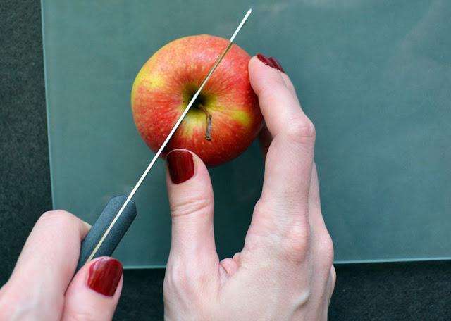 Apfel schneiden für Apfelkuchen