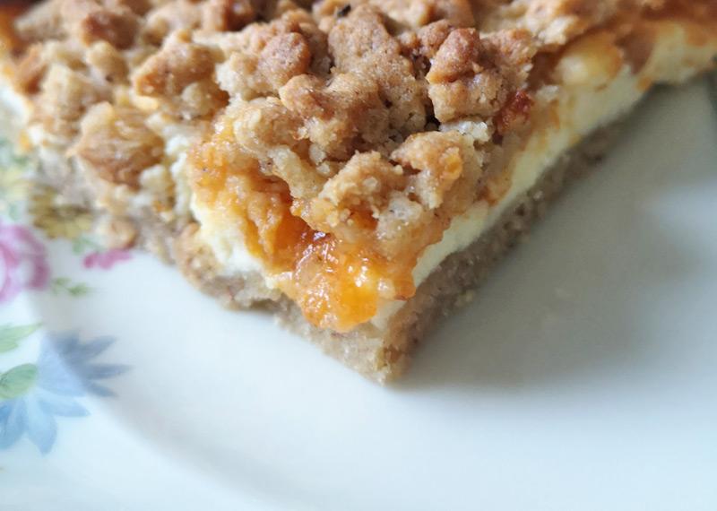 Topfen-Marmelade-Streuselkuchen Rezept